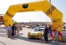 Coche de Saunier Duval en el rally de clásicos