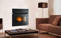Ferroli amplía su gama de biomasa con nuevas chimeneas de leña y pellet