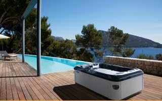 Disfruta el verano en un spa exterior Villeroy & Boch