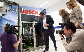 Bosch lanza su nueva gama de aire acondicionado comercial vrf 5000 - Oficinas bosch madrid ...