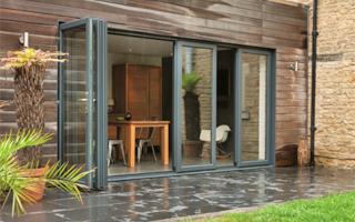 Sistema de ventana puerta multi hoja openmax premium de for Puertas salida jardin