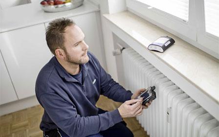 instalador de repartidor de costes de calefacción ISTA