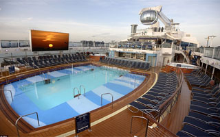 Piscina exterior del crucero Quantum of the Seas