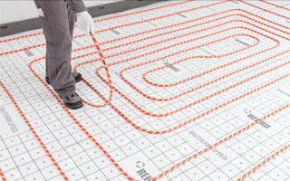 Instalaci n de suelo radiante un 30 m s r pida con - Colocacion suelo radiante ...