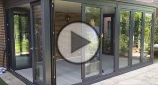 Vídeo del funcionamiento de las ventas-puertas OpenMAX de Deceuninck
