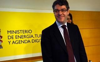 Sociedad y renovables solicitan al ministro la modificación en la ley de autoconsumo y concreción para la transición energética