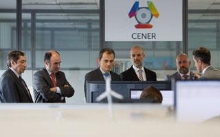 El ministro Pedro Duque visita las infraestructuras de I+D de CENER