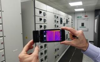 Termografía FLIR ONE Pro en el centro de datos de Aston Martin Red Bull Racing