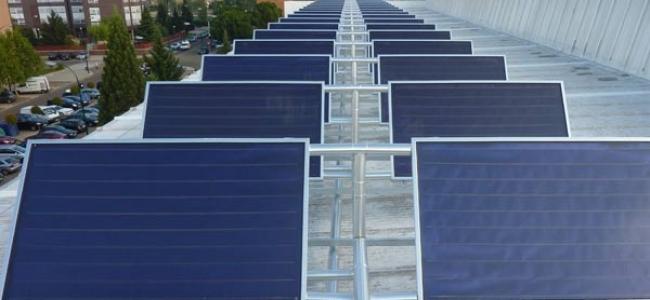 Instalación de energía solar térmica para producción de agua caliente sanitaria en el Polideportivo Pisuerga